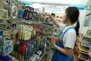 convenience-store-clerk-2