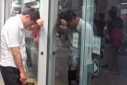 seoul-metro-wee-man-does-wee