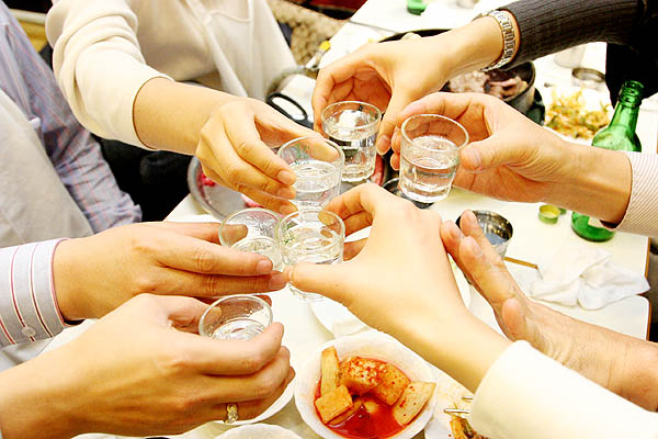 drinking culture in south korea Both south korea and england have prominent drinking cultures alcohol consumption is significant in korean work and social life.